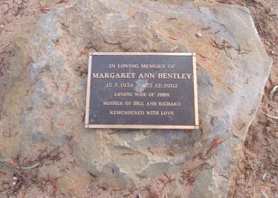 Margaret Bentley 15/07/1934 - 22/12/2002