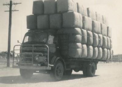 Somerset Transport Wool Truck